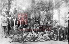 Ce groupe de volontaires, formé de déserteurs arméniens de la IVème armée ottomane et dirigé par Levon Yotneghperian, avait pour mission de récupérer les femmes et les enfants arméniens enlevés ou vendus à des tribus bédouines (coll. Bibliothèque Nubar).